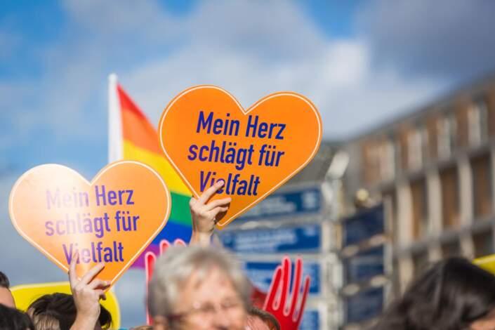 """Die Demo """"Gegen Rassismus im Deutschen Bundestag"""""""